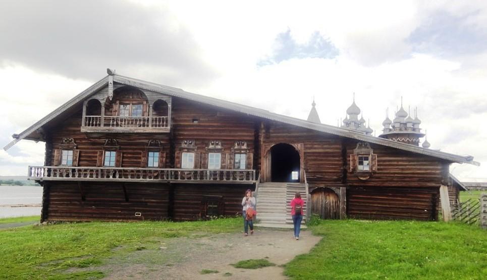 Дом Ошевнева из деревни Ошевнево.